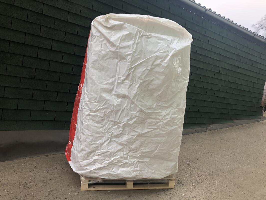 Paleta dřevěných pelet s ochranou proti UV záření